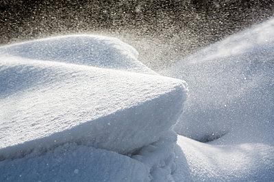 Schneeverwehungen - p1057m1586859 von Stephen Shepherd