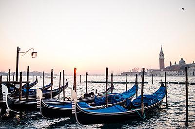 Gondeln in Venedig - p1326m1218752 von kemai