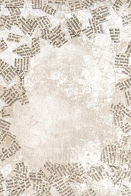 Scraps of paper - p450m2259004 by Hanka Steidle