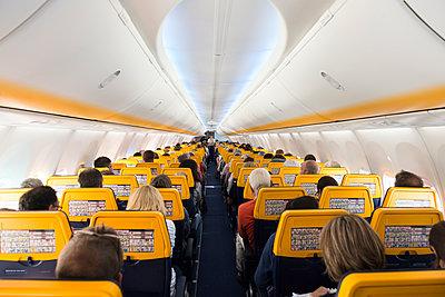 Passgierflugzeug - p608m1487185 von Jens Nieth