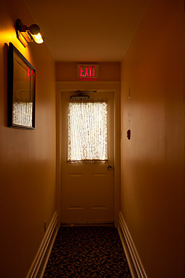 Hotel corridor - p470m1059362 by Ingrid Michel