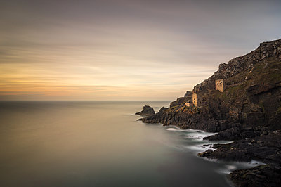 Crown Tin Mines, Botallack, UNESCO World Heritage Site, Cornwall, England, United Kingdom, Europe - p871m1107289 by Bill Ward