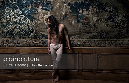 p1139m1195068 by Julien Benhamou