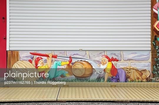 geschlossen - p237m1162765 von Thordis Rüggeberg