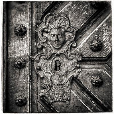 Keyhole Ornamentation - p1154m1193282 by Tom Hogan
