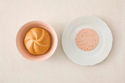 Brötchen mit Fleischwurst - p4540105 von Lubitz + Dorner