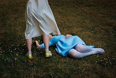 Girls - p1601m2173230 by Isabelle Scotta