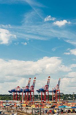 Port of Hamburg - p1079m880461 by Ulrich Mertens