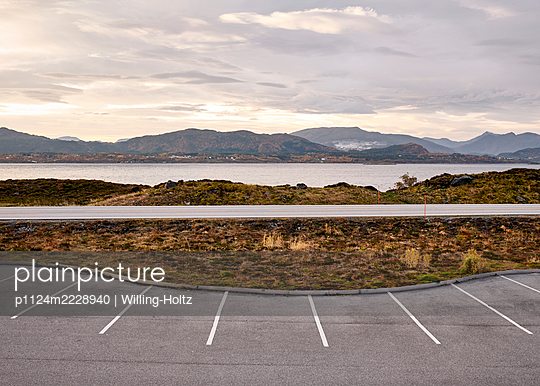 Norway, Parking area on the Atlantic Road - p1124m2228940 by Willing-Holtz