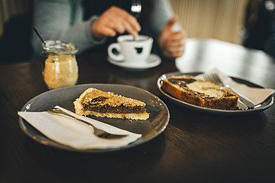 Kaffe und Kuchen mit Freunden - p1497m1584595 von Sascha Jacoby