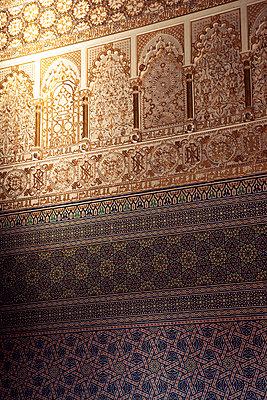 Mosaik im Mausoleum in Rabat - p382m1119741 von Anna Matzen