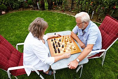 Schach spielen - p1146m1071104 von Stephanie Uhlenbrock