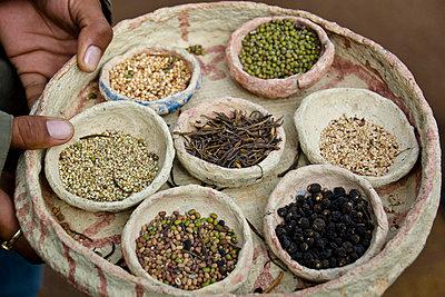 Gewürzmarkt in Indien - p162m763135 von Beate Bussenius