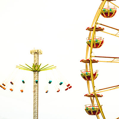 Swing carousel, Suisse - p813m1462118 by B.Jaubert