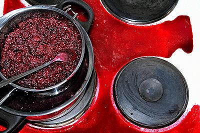 Übergekocht - p726m741024 von Katarzyna Zommer