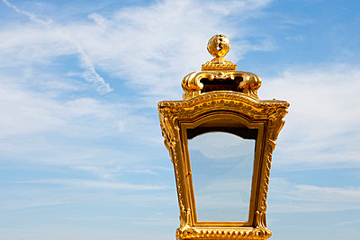 Royal lamp - p6370138 by Florian Stern