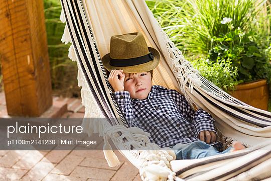 09.01.19 - p1100m2141230 by Mint Images