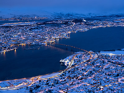 Tromsø in winter - p1250m2125585 by werner bartsch