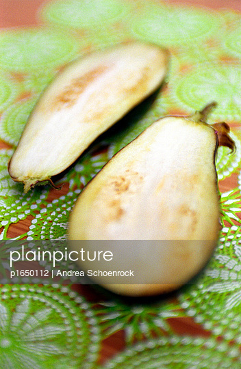 Aubergine - p1650112 by Andrea Schoenrock