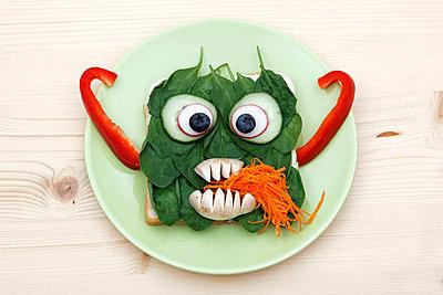 Vegetarisches Monster - p238m831889 von Anja Bäcker