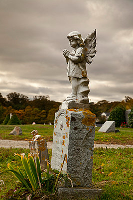 Sculpture on a graveyard in Massachusetts - p3300448 by Harald Braun