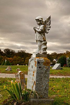 Engelstatue auf einem Friedhof in Massachusetts - p3300448 von Harald Braun