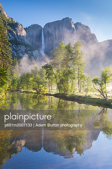 p651m2007133 von Adam Burton