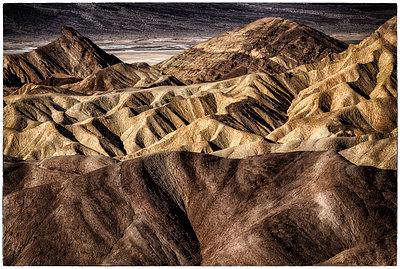 Felslandschaft Zabriskie Point - p1154m1110245 von Tom Hogan