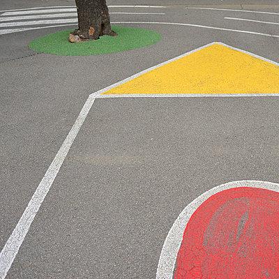 Spielplatz - p829m715942 von Régis Domergue