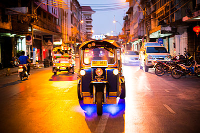Taxi in Bangkok - p680m1514797 by Stella Mai