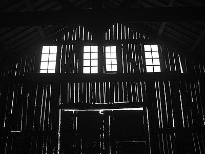 Barn - p1521m2064540 by Charlotte Zobel
