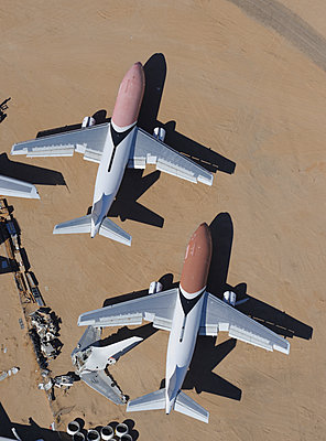 Airbus A300 desert storage - p1048m1058622 by Mark Wagner