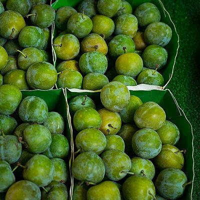Grüne Pflaumen - p1297m2223296 von Nathalie Seroux