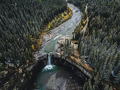 Wasserfall in Kanada - p1455m2203779 von Ingmar Wein