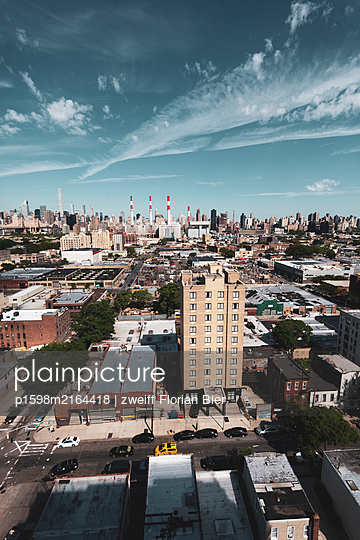 View of Queens, New York City, USA - p1598m2164418 by zweiff Florian Bier