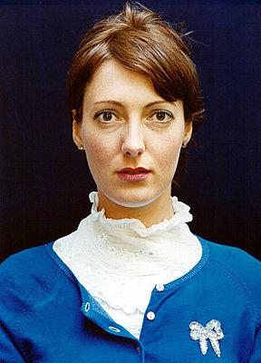 Portrait of a fashionable woman - p1205m1019745 by Annet van der Voort