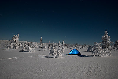 Tent on the tundra - p1241m1481509 by Topi Ylä-Mononen