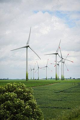 Windkraft - p706m858240 von Markus Tollhopf