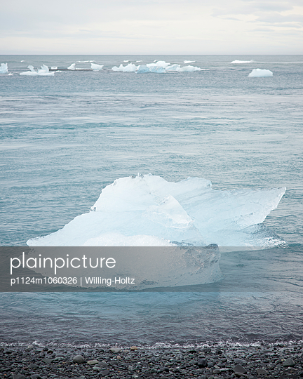 Glacier lagoon - p1124m1060326 by Willing-Holtz