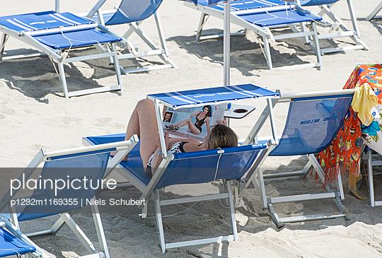 Entspannung am Strand - p1292m1169355 von Niels Schubert