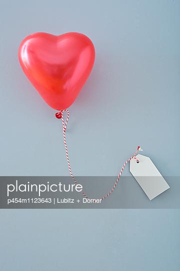 Liebesbotschaft - p454m1123643 von Lubitz + Dorner