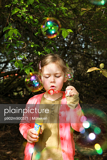 Soap bubbles - p902m900371 by Mölleken