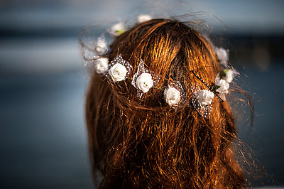 Bride - p1007m959840 by Tilby Vattard