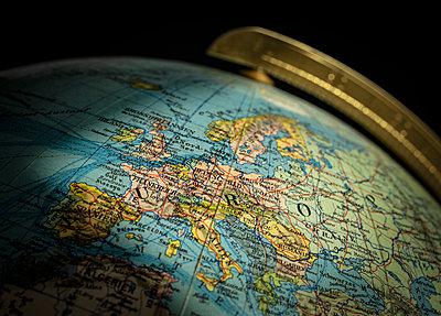 Globalisation, Globe - p1275m2217570 by cgimanufaktur
