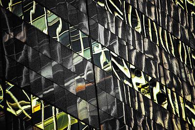 Reflections in office facade - p1418m1572353 by Jan Håkan Dahlström