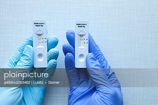 Positive / negative - p454m2263462 by Lubitz + Dorner