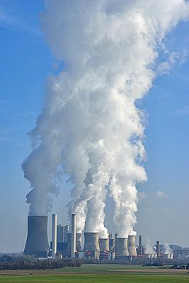 Germany, North Rhine-Westphalia, Bergheim-Niederaussem, Niederaussem Power Station - p300m2042986 von Martin Rügner