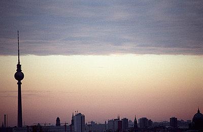 Ausblick auf Berlin - p2120056 von Edith M. Balk