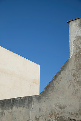 House wall - p335m1003220 by Andreas Körner