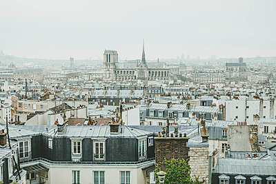 View over Paris - p445m1528760 by Marie Docher